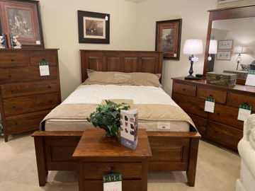 Picture of JAMESTOWN QUEEN SIZE COMPLETE BED