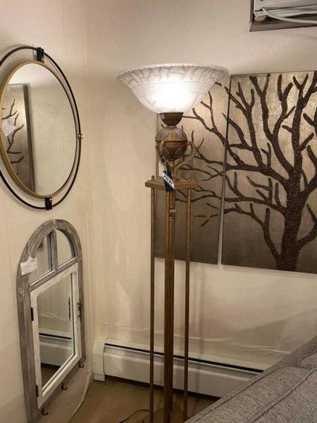 Picture of FLOOR LAMP